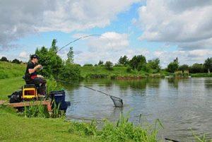 Как рыбачить на фидер 1