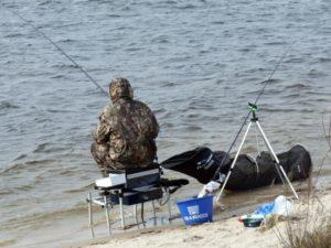 Как рыбачить на фидер 3